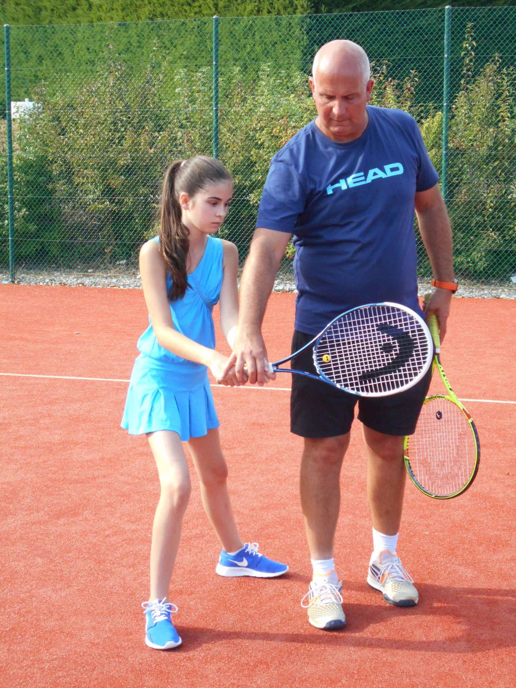 Jiva hill golf club un parcours atypique 9 trous avec for Cours de tennis en ligne